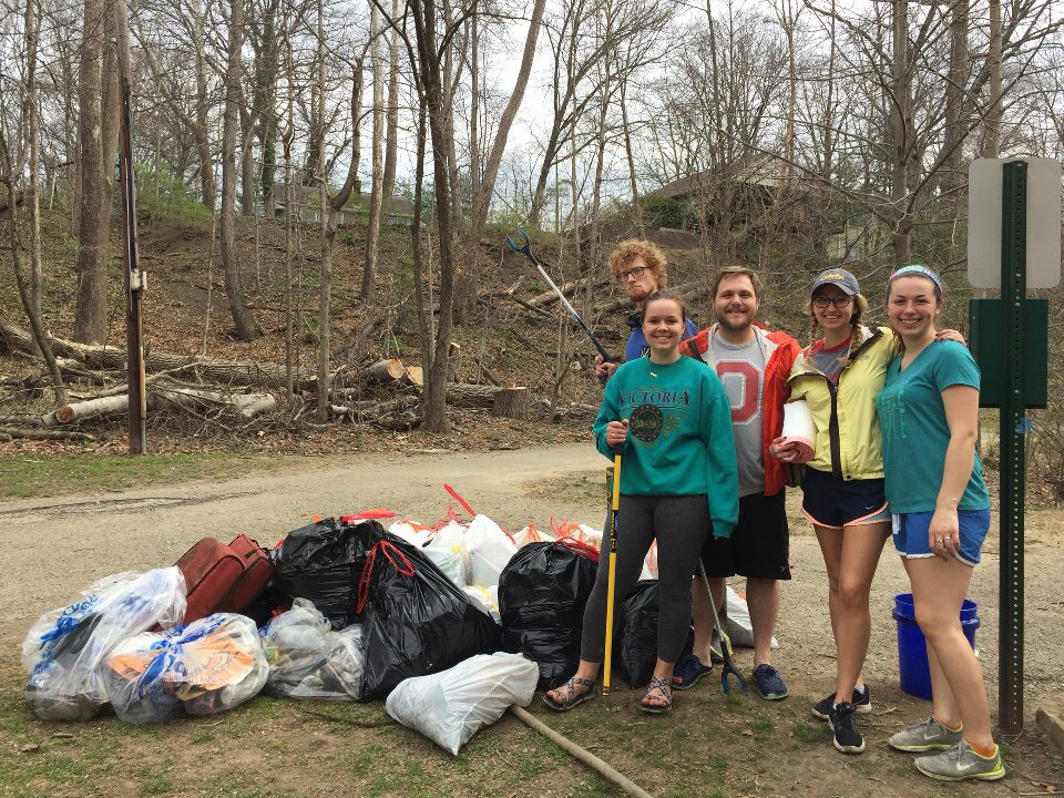 Students Clean Up Glen Echo Ravine
